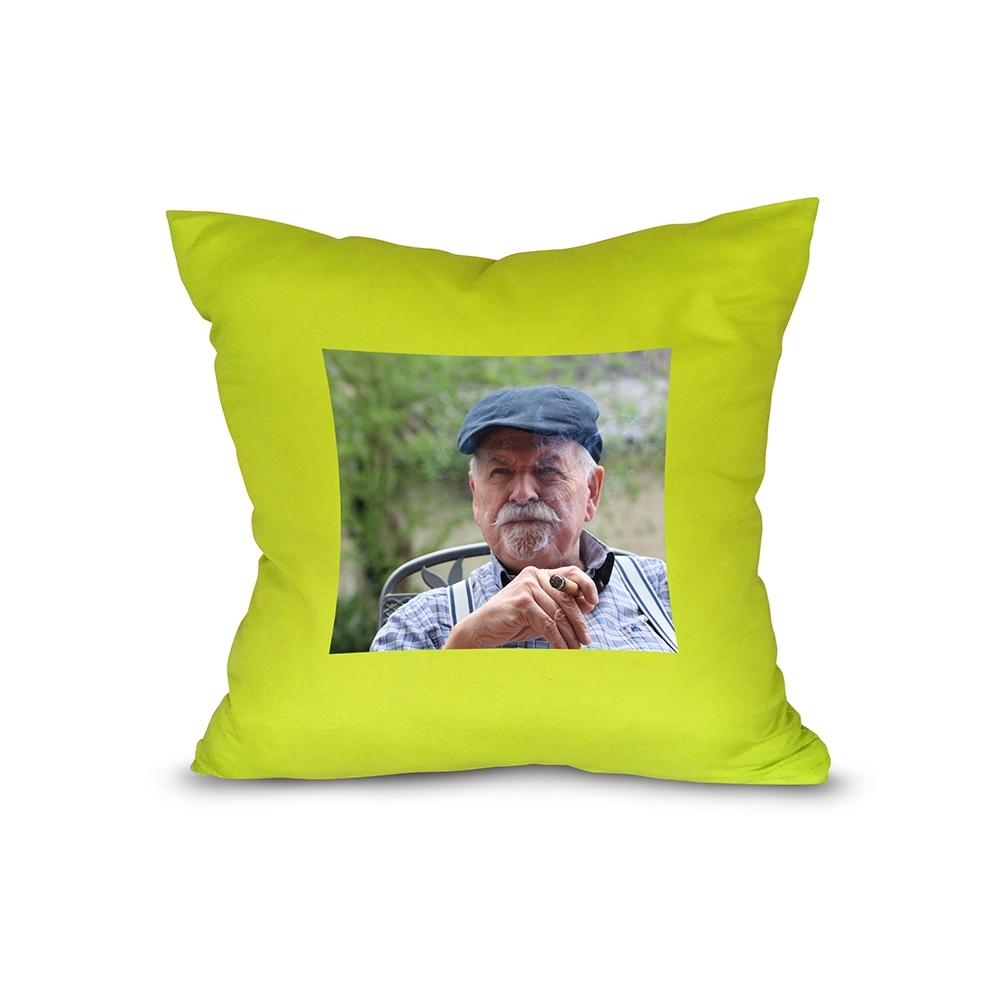 zelený polštář s vlastním potiskem